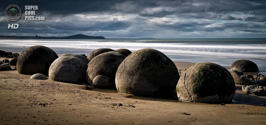 Новая Зеландия. Отаго. Валуны Моераки. (Dean Mullin)