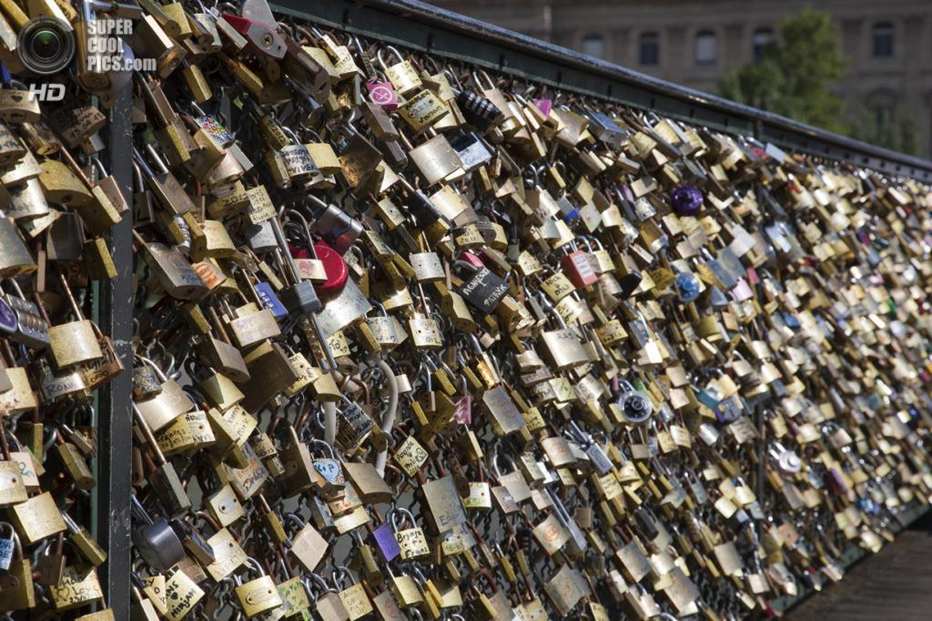 Франция. Париж. Мост Искусств. (John M1061)