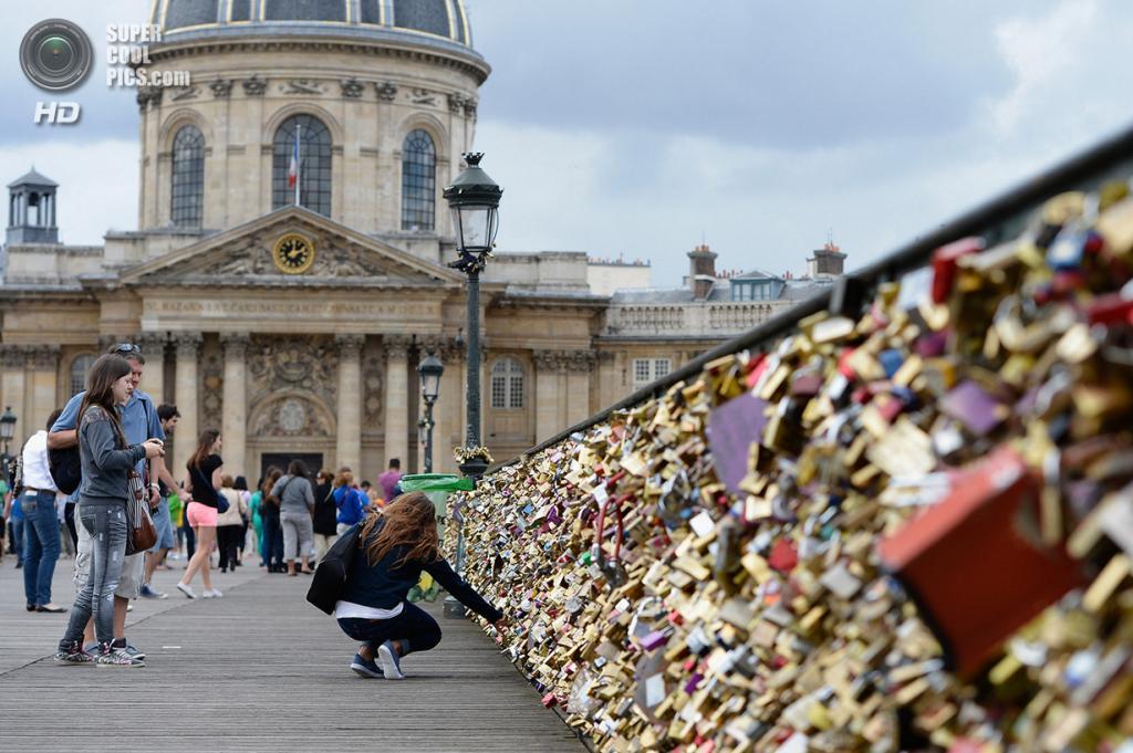 Франция. Париж. Мост Искусств. (Pascal Le Segretain/Getty Images)