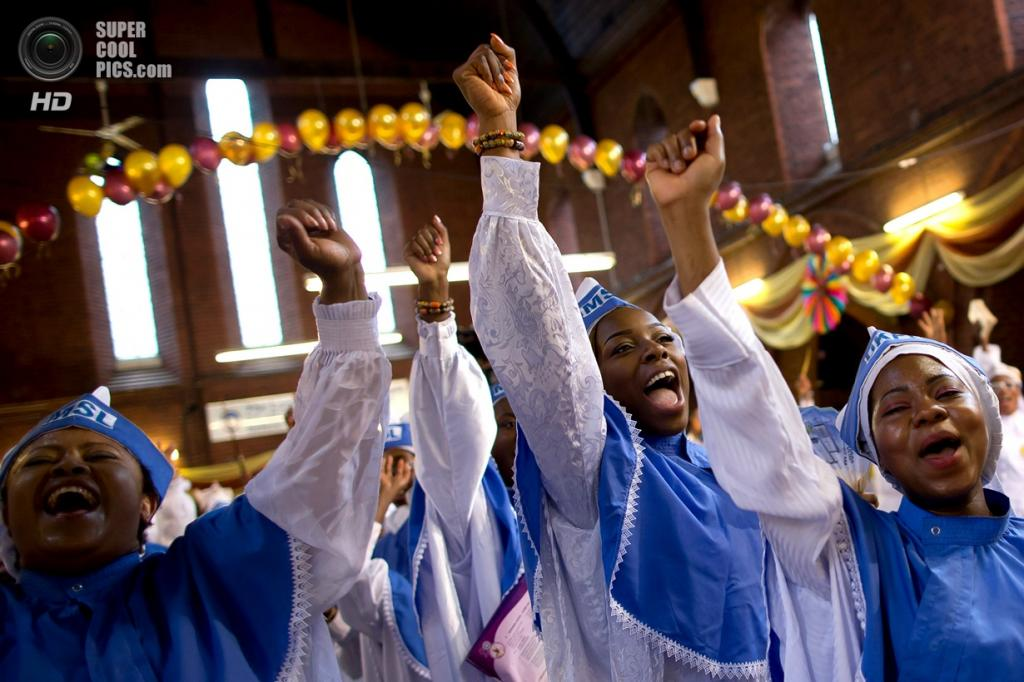 Великобритания. Лондон. 28 июля. 28-я ежегодная Благодарственная служба в церкви Вечного священного ордена херувимов и серафимов. (Dan Kitwood/Getty Images)