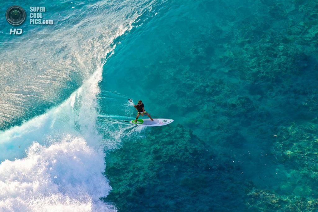 Атлет: Ману Буве. Место: Туамоту, Французская Полинезия. (Ben Thouard/Red Bull Illume)