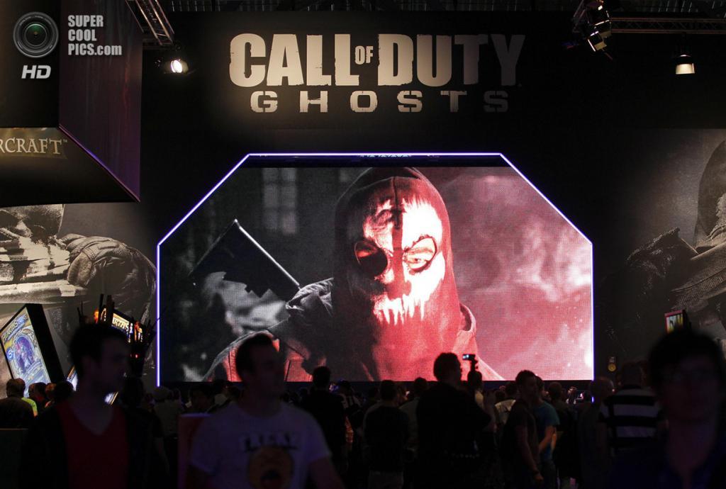 Германия. Кёльн, Северный Рейн — Вестфалия. 21 августа. Презентация военного шутера «Call of Duty: Ghosts». (REUTERS/Ina Fassbender)