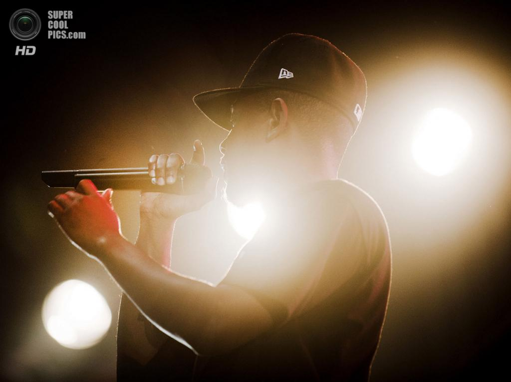 Нидерланды. Биддингхёйзен, Флеволанд. 16 августа. Американский хип-хопер Кендрик Ламар. (NRC/Andreas Terlaak)