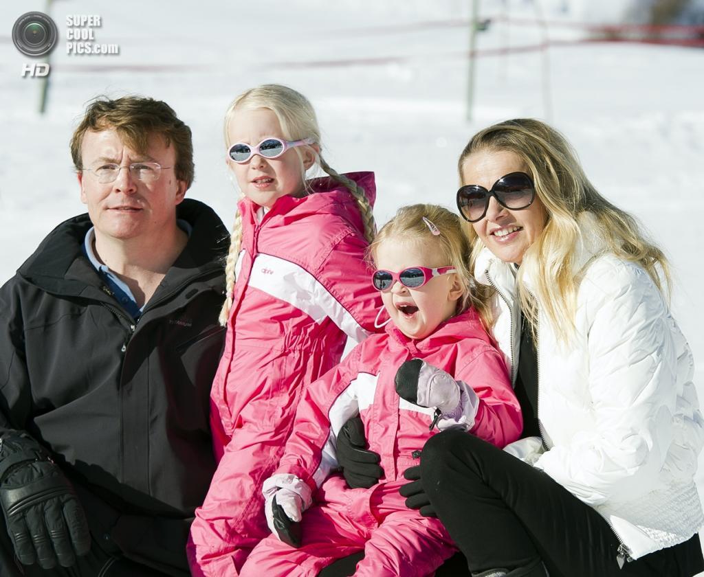 2011 год. Австрия. Лех. Супруги Фризо и Мейбл со своими детьми Луаной Эммой и Йоханной Зарией. (ANP)