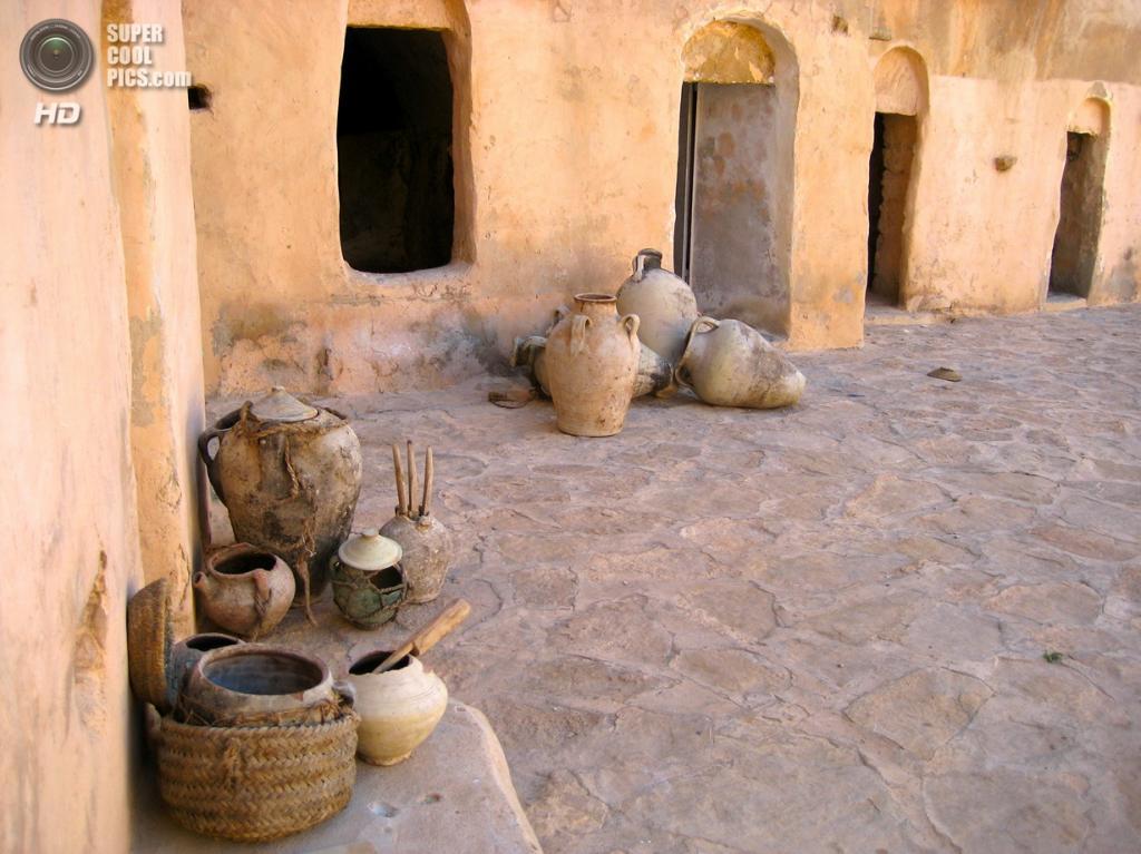 Тунис. Ксар-Улед-Солтане близ Татауина. (Manuele Zunelli)