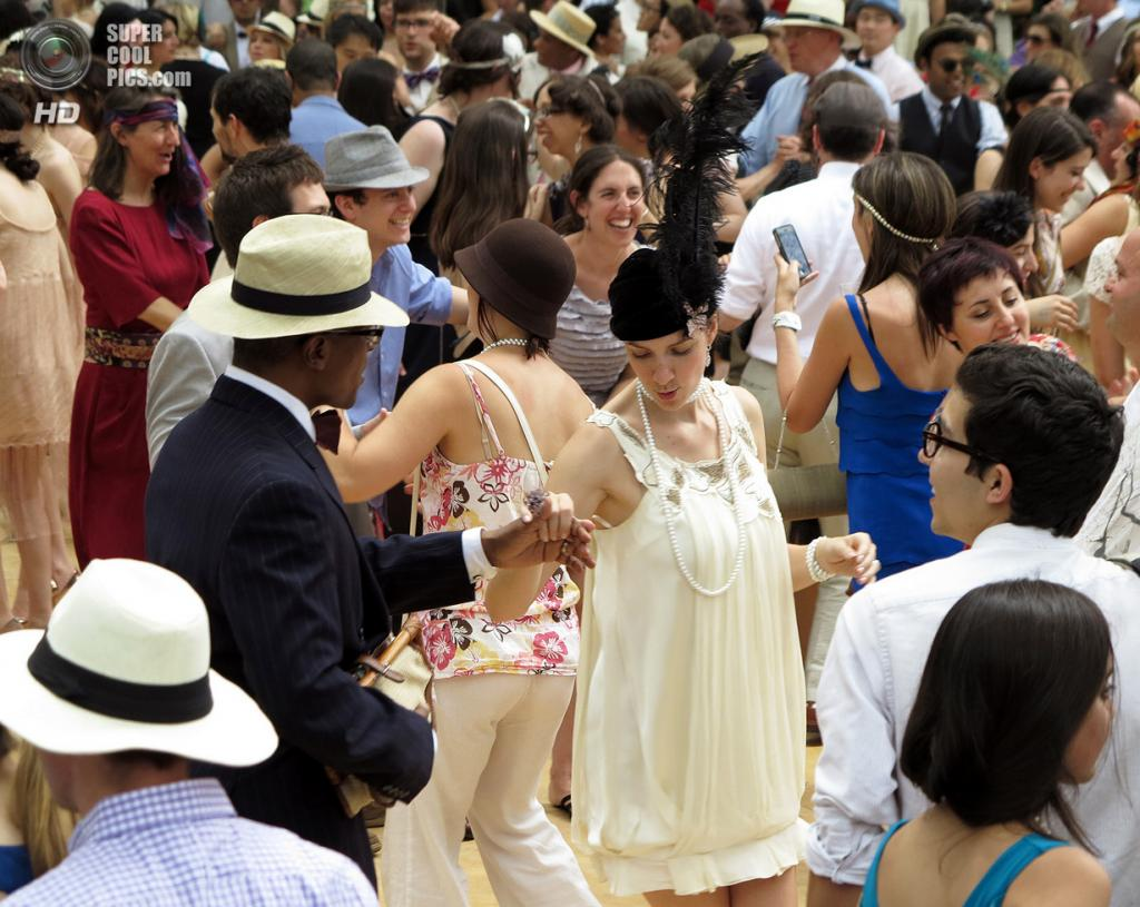 США. Нью-Йорк. Во время фестиваля Jazz Age Lawn Party на Губернаторском острове. (Rachel Rampleman)