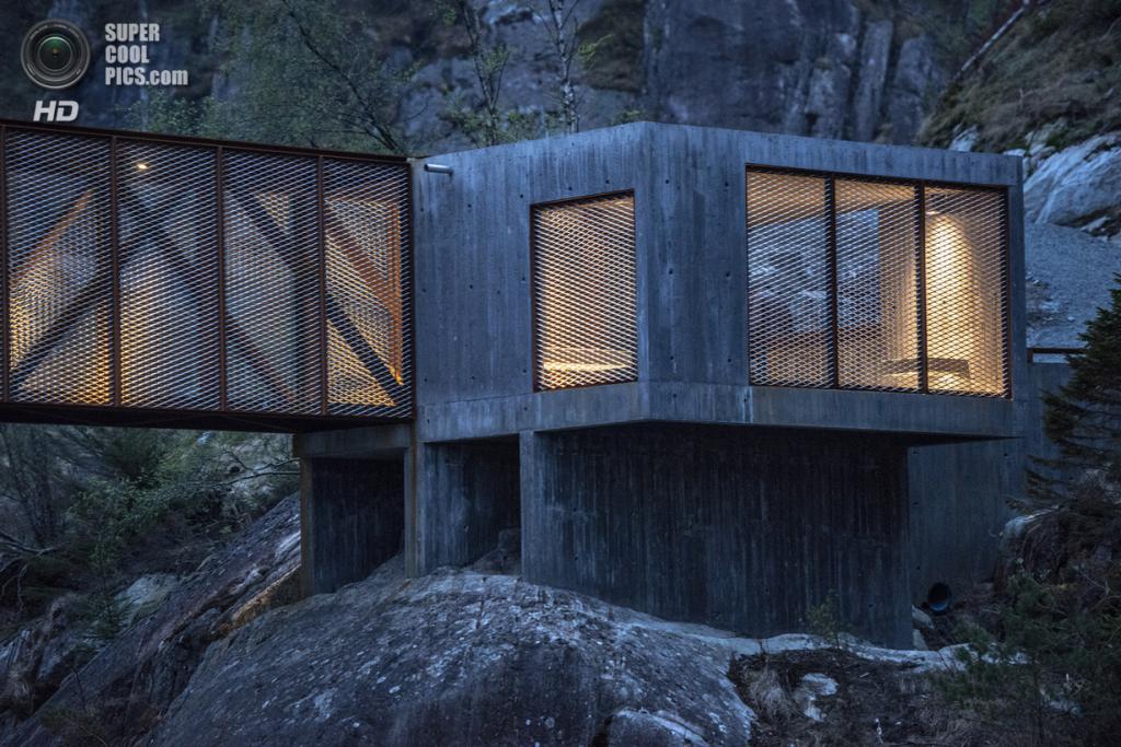 Норвегия. Сульдал, Ругаланн. Мост Høse, спроектированный Rintala Eggertsson Architects. (Dag Jenssen)