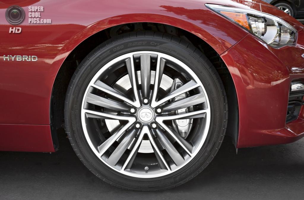 Infiniti Q50S Hybrid. (Nissan Motor Company)