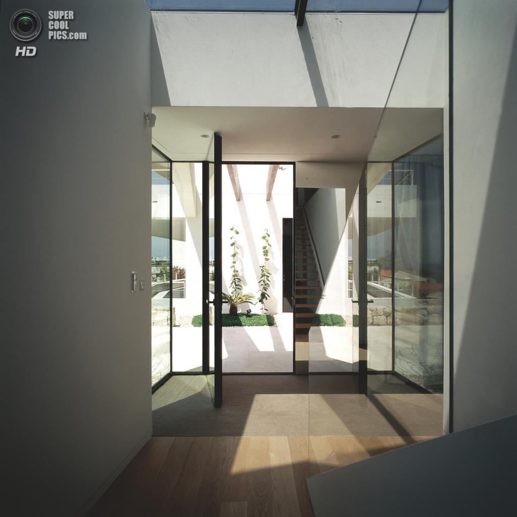 Хорватия. Дубровник, Дубровницко-Неретванская жупания. Вилла House U, спроектированная 3LHD. (Damir Fabijanić)