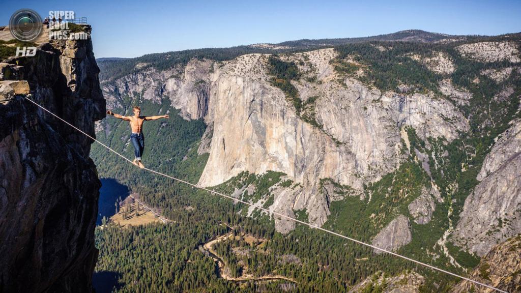 Атлет: Мич Кеметер. Место: Йосемити, Калифорния, США. (Alexandre Buisse/Red Bull Illume)