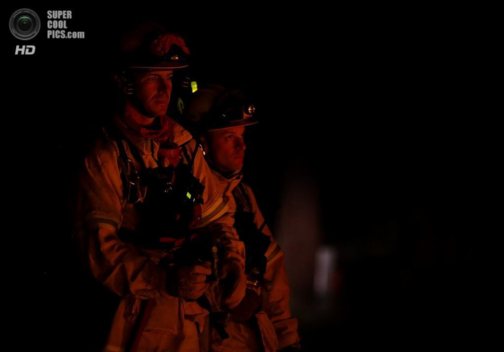 США. Гровленд, Калифорния. 22 августа. Лесной пожар, угрожающий экосистеме Национального парка Йосемити. (Justin Sullivan/Getty Images)