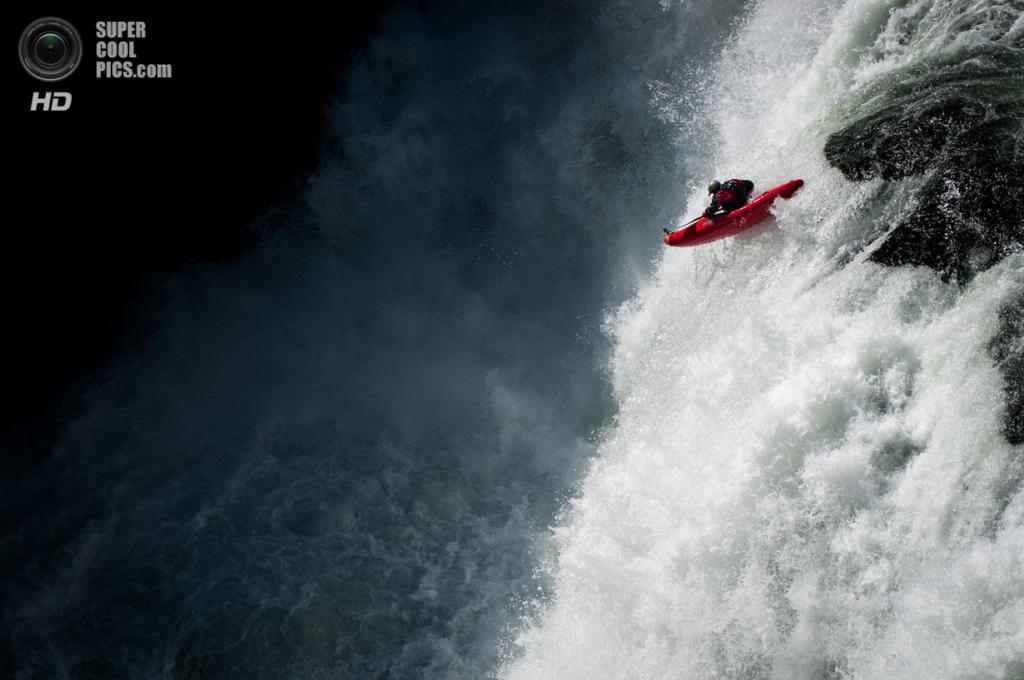 Атлет: Гэри Эджворт. Место: Водопад Нижняя Меса, Айдахо, США. (David Carlier/Red Bull Illume)