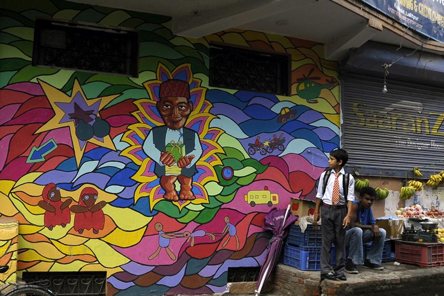Непал. Катманду. 20 августа. Стрит-арт на религиозную, абстрактную и социальную тематику, нарисованный в рамках специального творческого проекта. (PRAKASH MATHEMA/AFP/Getty Images)