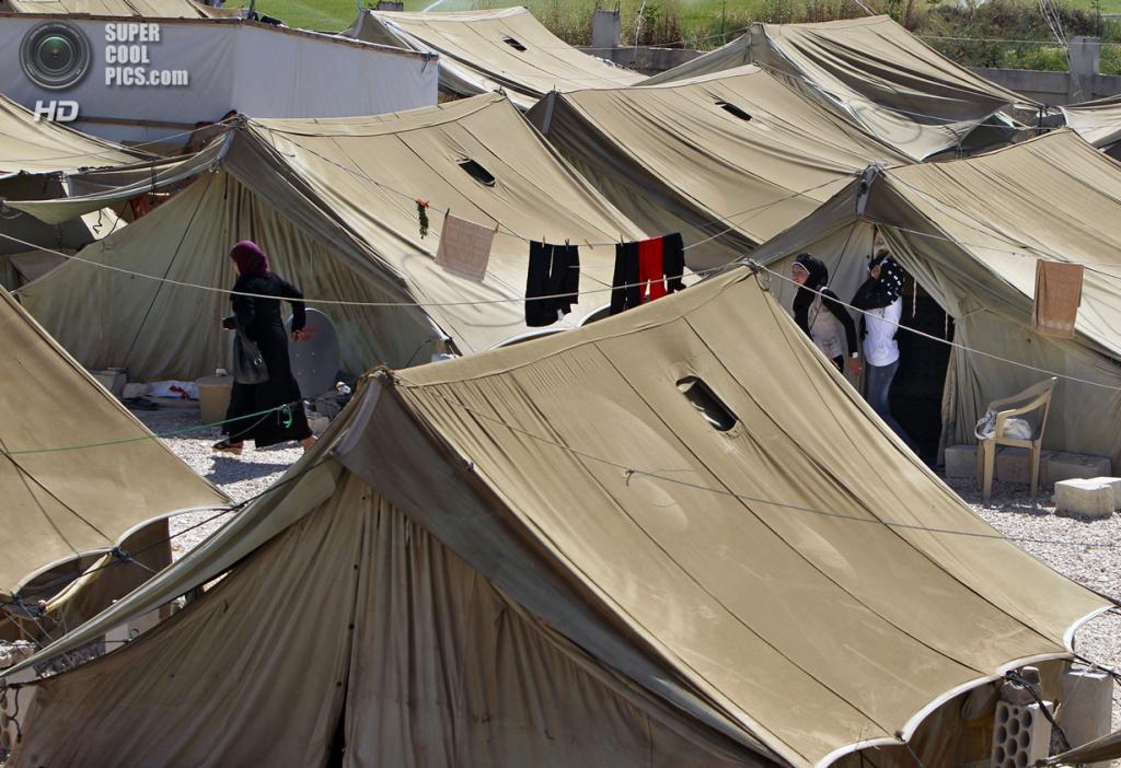 Ливан. Мардж. В лагере для сирийских беженцев. (AP Photo/Bilal Hussein)