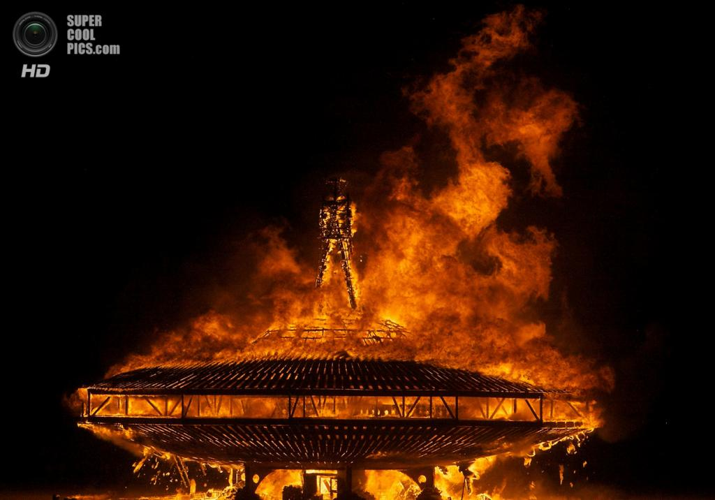 США. Невада. Пустыня Блэк-Рок. Во время фестиваля Burning Man 2013. (Jimbo)