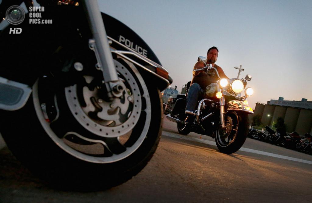 США. Милуоки, Висконсин. 29 августа. Празднование дня рождения Harley-Davidson. (Scott Olson/Getty Images)