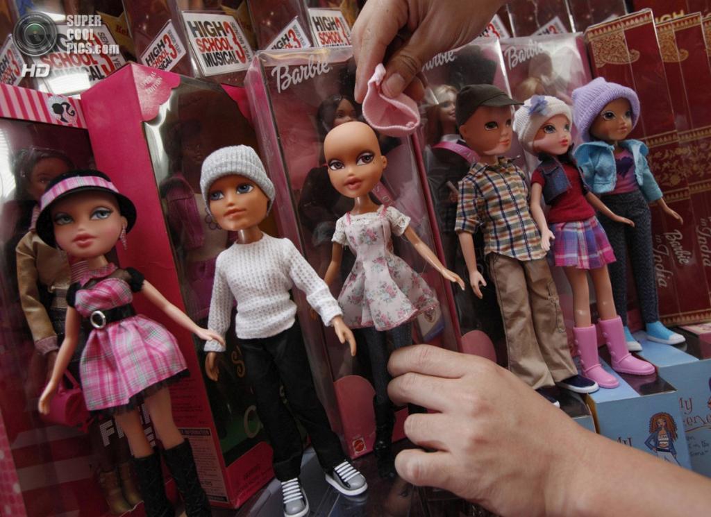 Сингапур. 2 сентября. Коллекция кукол. (REUTERS/Edgar Su)