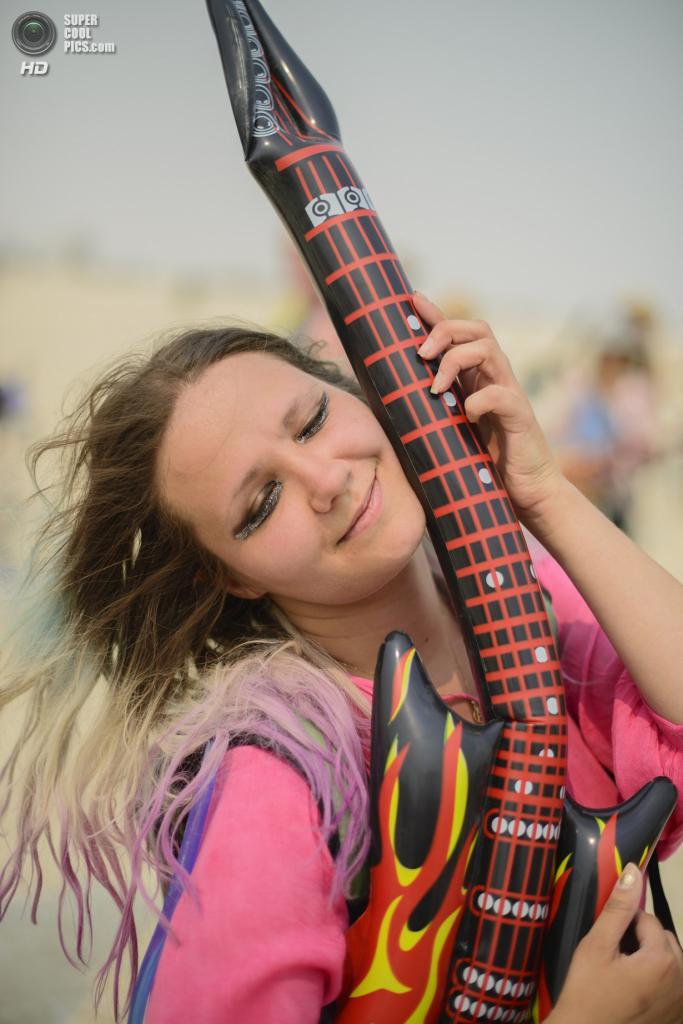 США. Невада. Пустыня Блэк-Рок. Во время фестиваля Burning Man 2013. (Julia)