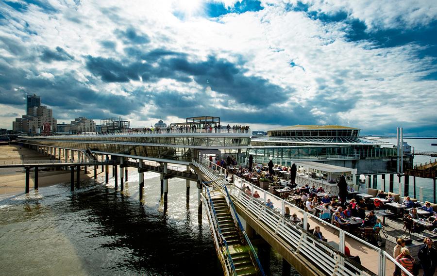 Знаменитый пирс в Гааге — банкрот (10 фото)