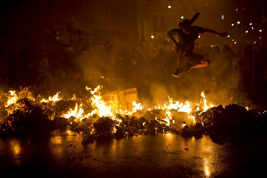 Хаос на улицах Рио-де-Жанейро (22 фото)