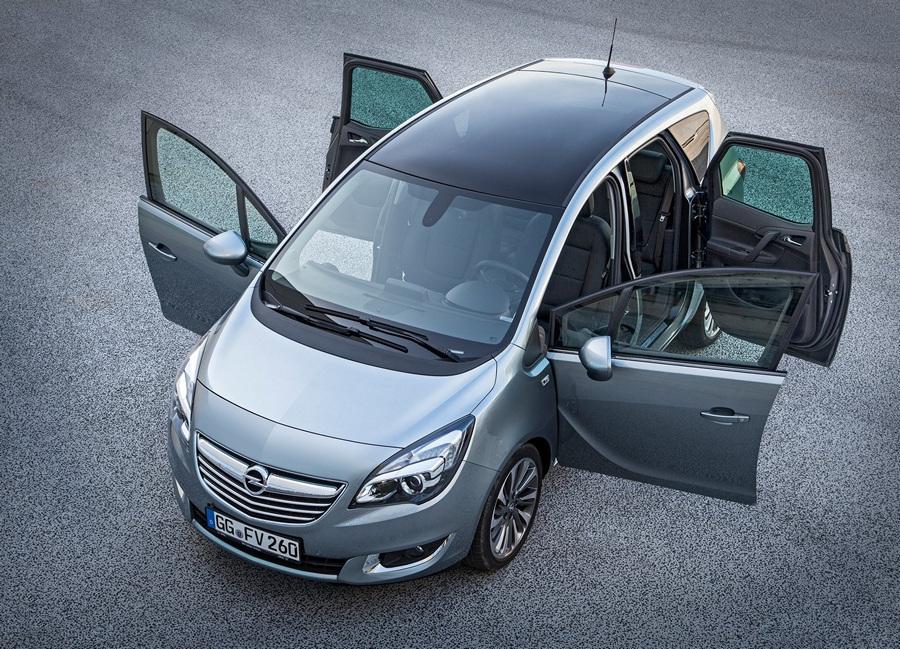 Семейный субкомпактвэн Opel Meriva (12 фото)