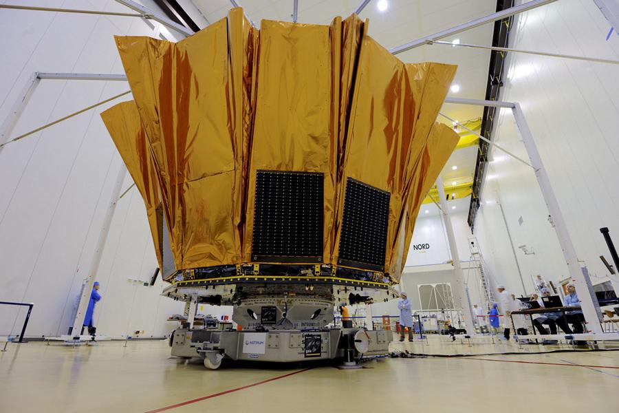 Французская Гвиана. Куру. 10 октября. Во время тестирования механизма развёртывания космической обсерватории «Гея». (ESA/M. Pedoussaut)