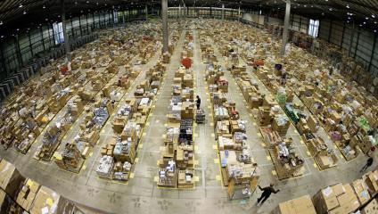 Внутри складов Amazon.com (13 фото)