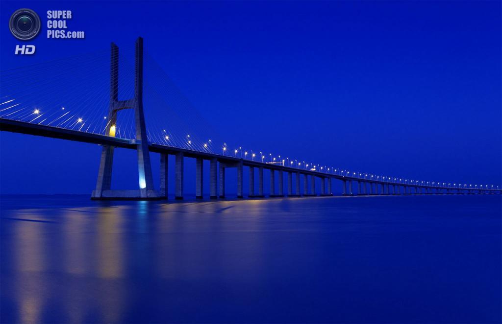 Португалия. Лиссабон. Мост Васко да Гама. (CarlaBritoFotografia)