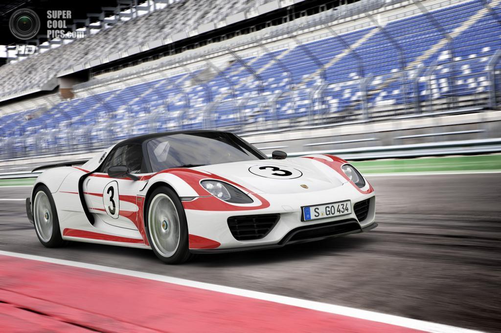 Porsche 918 Spyder Weissach Package. (Dr. Ing. h.c. F. Porsche AG)