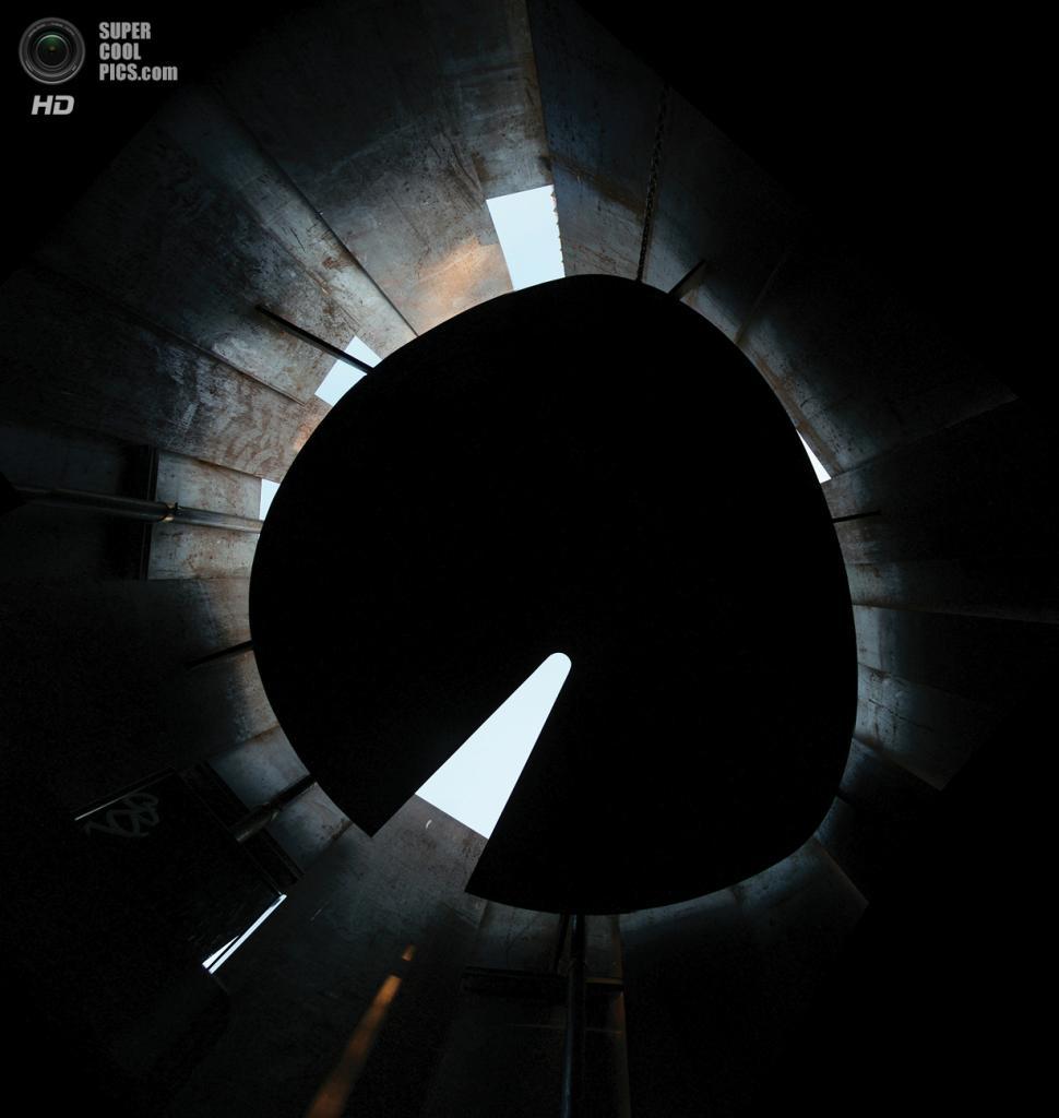 США. Остин, Техас. Общественный туалет The Restroom, спроектированный Miró Rivera Architects. (Miró Rivera Architects)