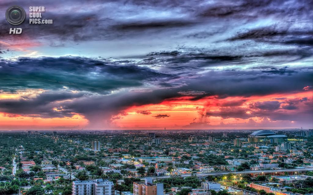 США. Майами, Флорида. «Рассвет перед ураганом Айзек». (lostINmia)