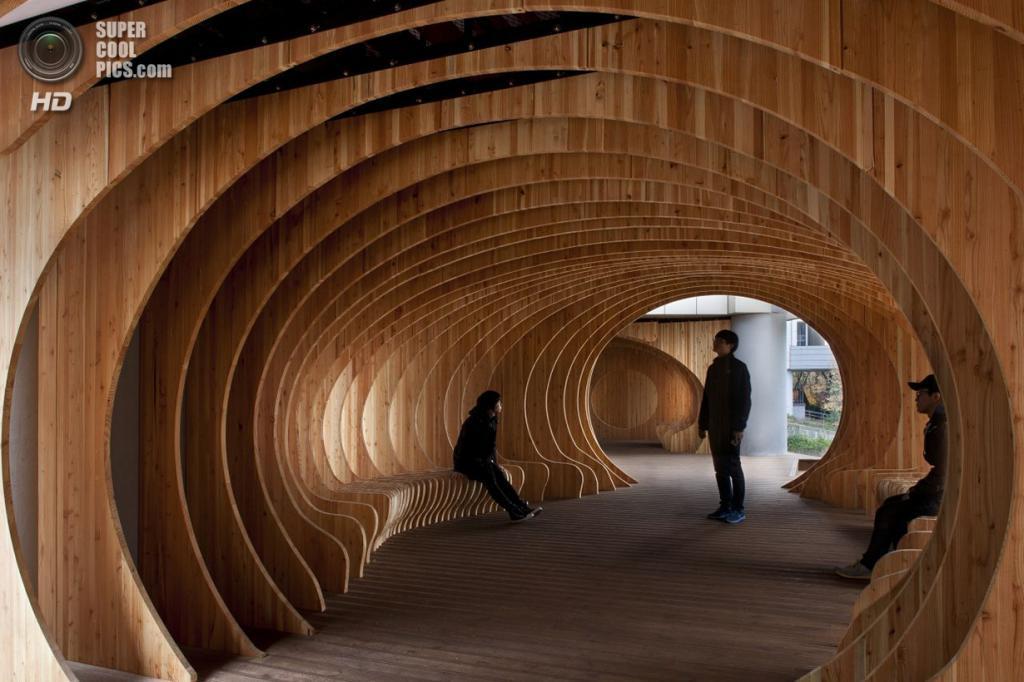 Южная Корея. Сеул. Место отдыха для студентов Университета Сеула, спроектированное UTAA. (Jin Hyo-suk)