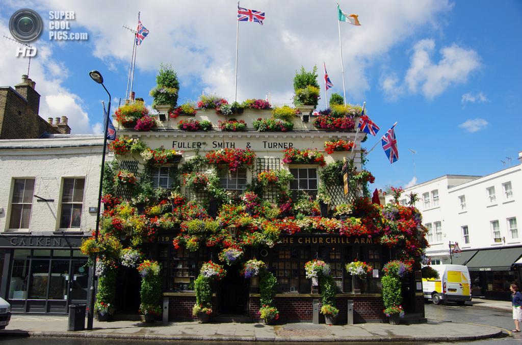 Великобритания, Лондон. Паб The Churchill Arms. (My Soul Insurance)