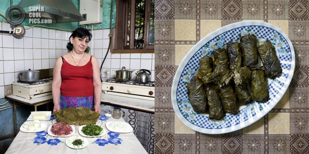 Армения. Алаверди. Блюдо: Долма. (Gabriele Galimberti)