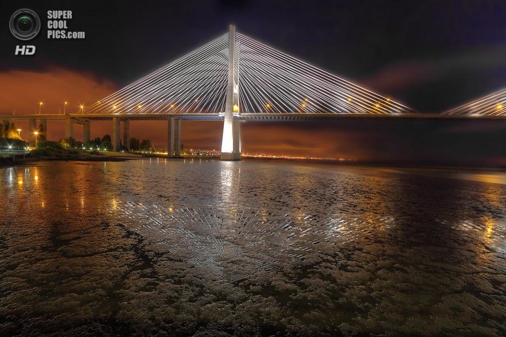 Португалия. Лиссабон. Мост Васко да Гама. (Paulo Guerra)