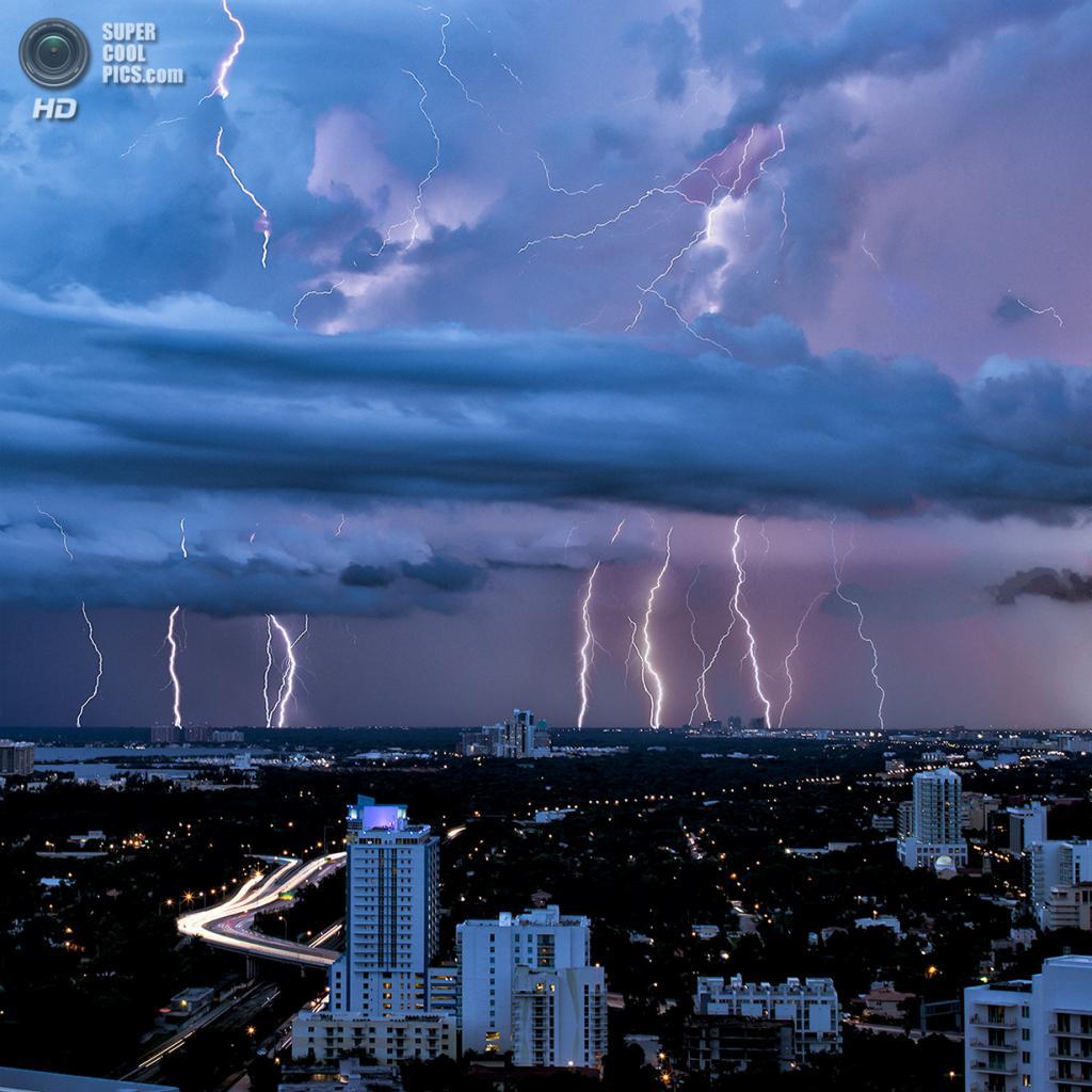 США. Майами, Флорида. «Молнии Хоумстед / Киз». (lostINmia)