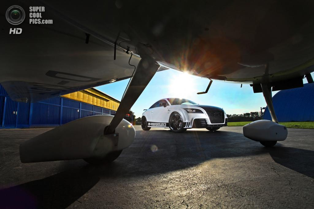 Audi TT RS Black and White Edition. (PP-Performance/Cam Shaft)
