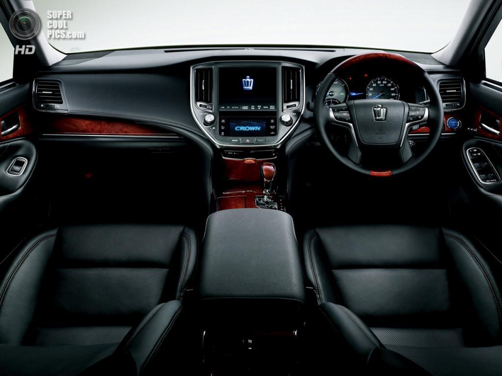 Toyota Crown Majesta. (Toyota)