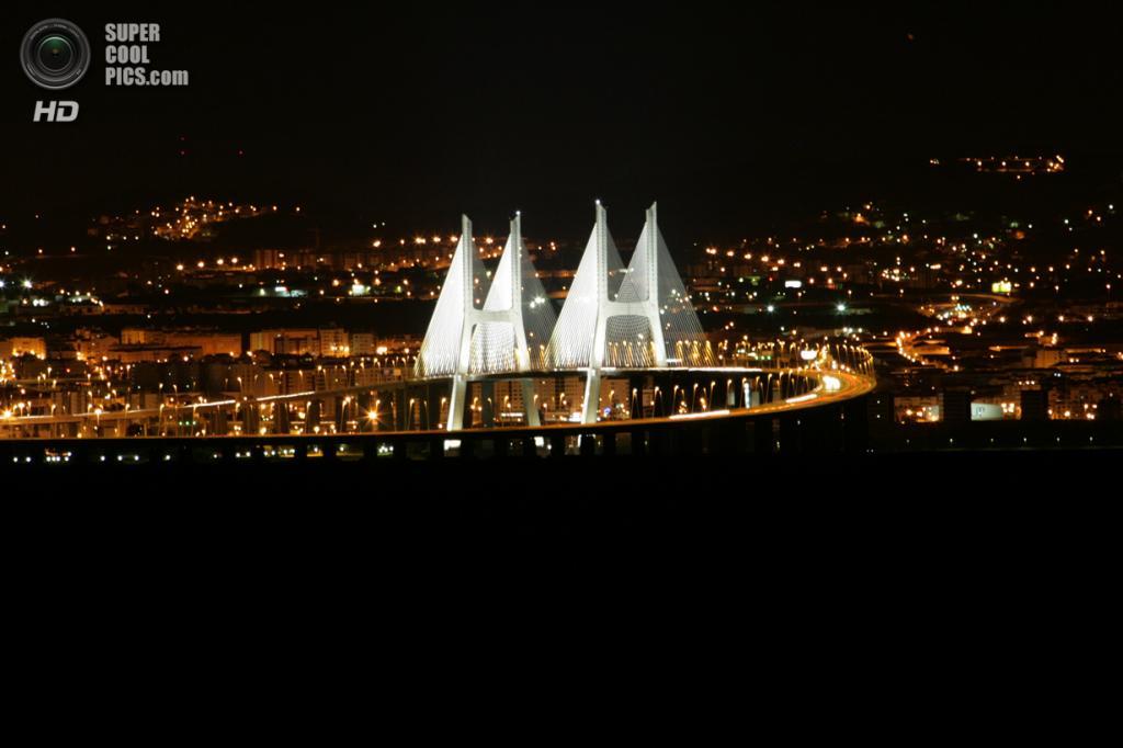 Португалия. Лиссабон. Мост Васко да Гама. (MANUEL DUARTE)