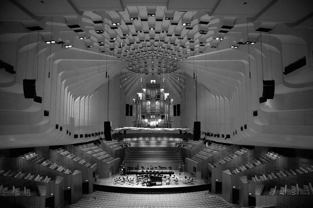 Сиднейский оперный театр изнутри (18 фото)