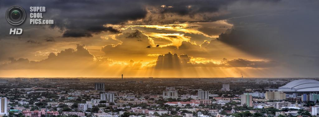 США. Майами, Флорида. «Золотистые лучи». (lostINmia)