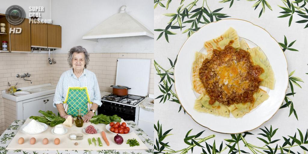 Италия. Кастильон-Фьорентино. Блюдо: Равиоли с мясным соусом. (Gabriele Galimberti)