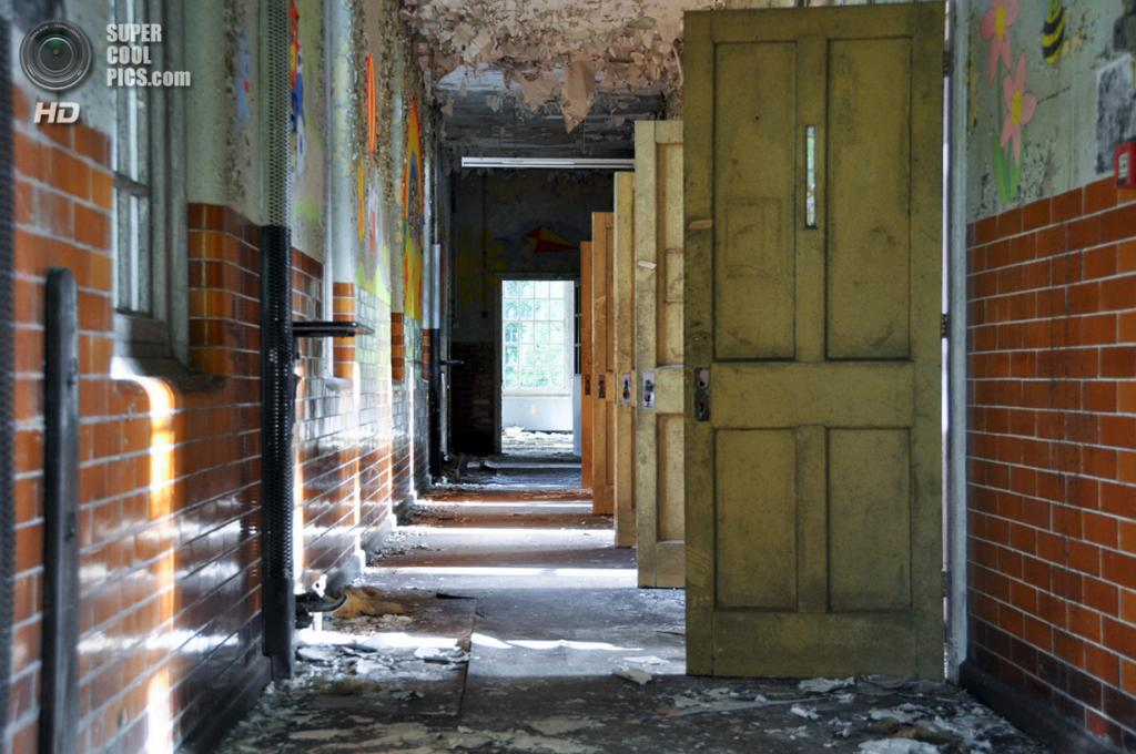 Великобритания. Эпсом, Суррей, Англия. Заброшенная психиатрическая больница West Park Asylum. (Bradley Garrett)