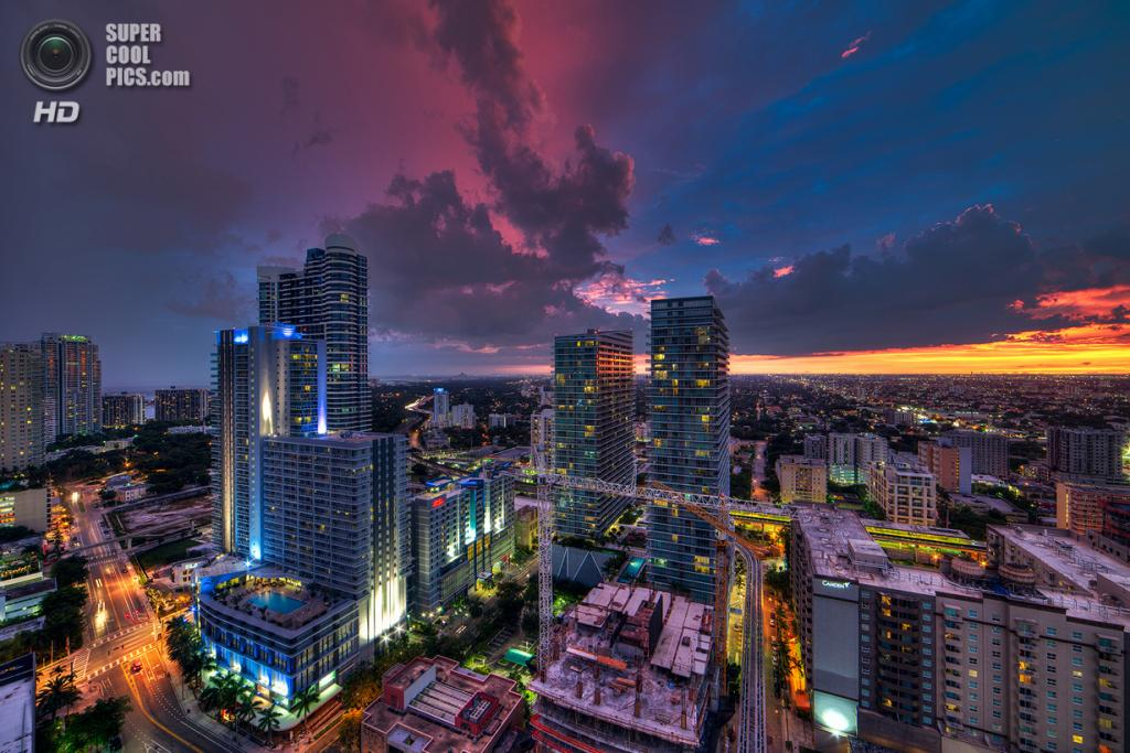 США. Майами, Флорида. «Половина и половина». (lostINmia)