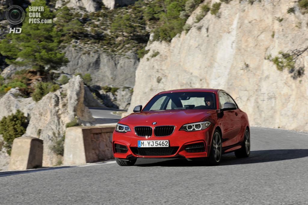 BMW M235i. (BMW AG)