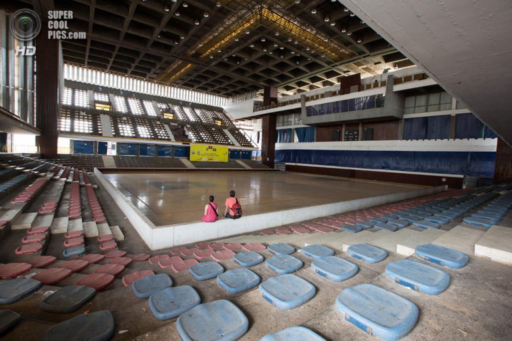 Камбоджа. Пномпень. Олимпийский стадион. (Bradley Garrett)