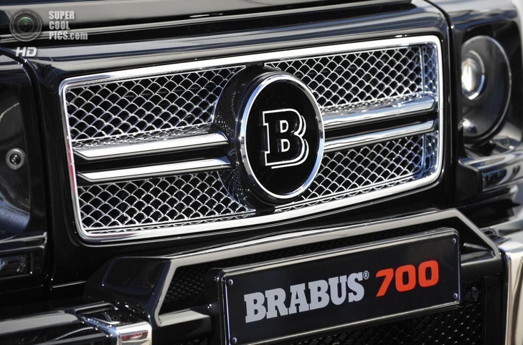 Brabus B63S-700 6x6. (Brabus)