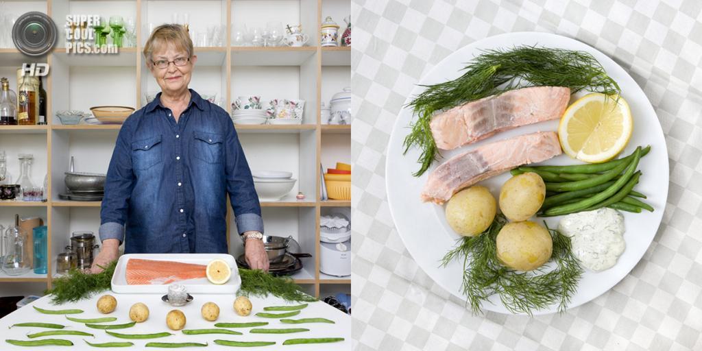 Швеция. Стокгольм. Блюдо: Вареный лосось с овощами. (Gabriele Galimberti)