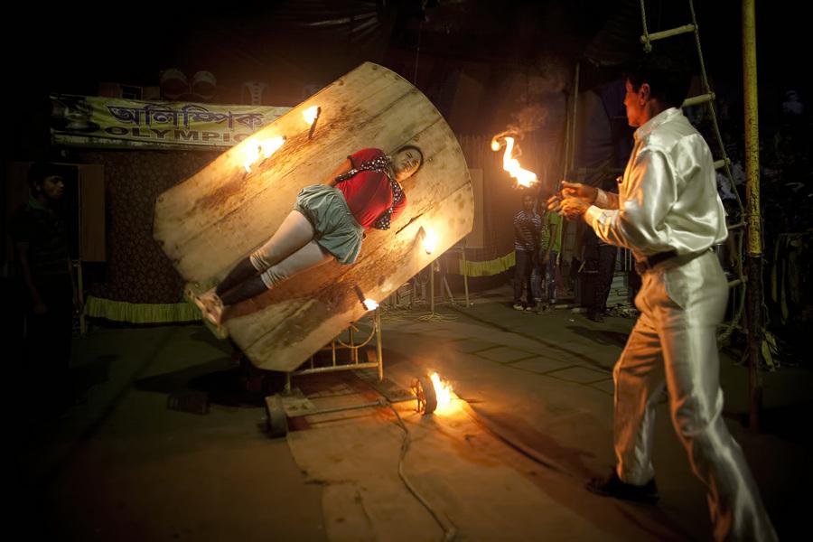 Жизнь в бангладешском цирке (22 фото)