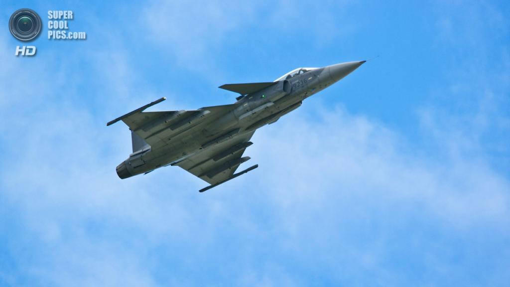 Saab JAS 39 Gripen. (Hugh Simmons)